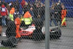 IMG 1959 Mansel sits quietly at the back of grid